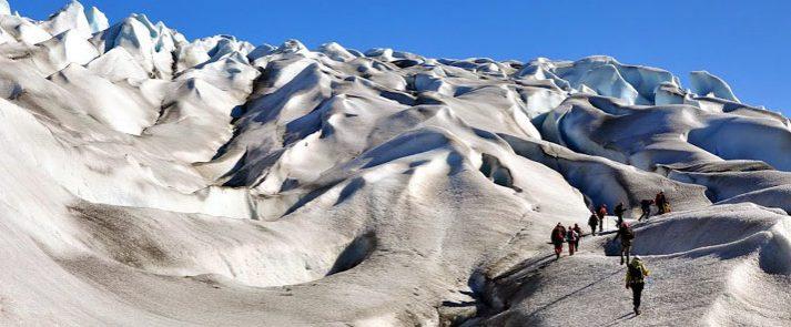 hike sobre glaciar en Groenlandia